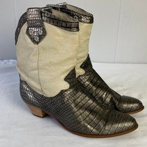dingo | 9M. Reptile Print Ivory Gray Cowboy Boots